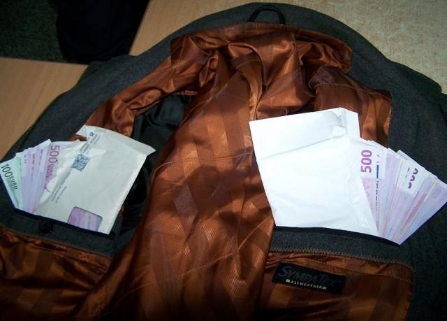U džepovima jakne krio 56.000 evra