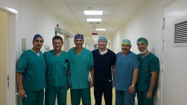 У новом Клиничком центру операција карцинома дебелог црева, интервенцију радио чувени хирург, проф. др Зоран Кривокапић