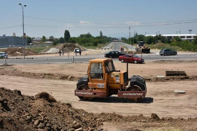 Почела изградња кружног тока на Булевару Николе Тесле
