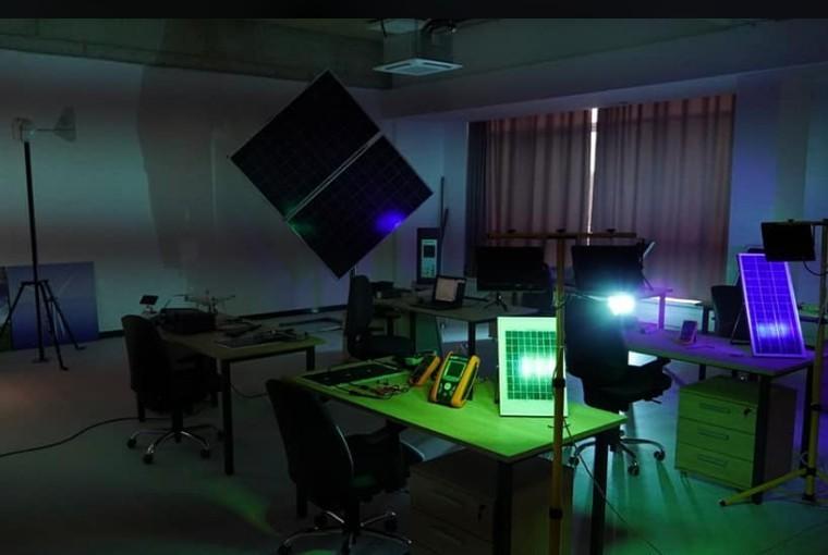 Креативност младих истраживача и сарадња са привредом: Отворена лабораторијска ламела нишког Електронског факултета