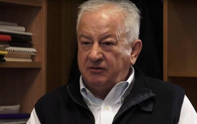 Миодраг Зец: Србијом се управља персонално и мануелно