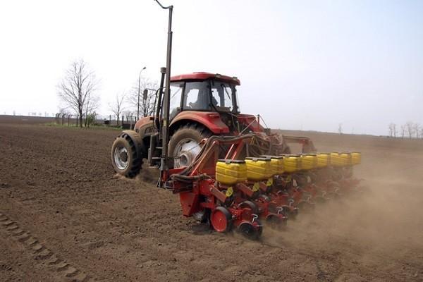 Неповољни услови за сетву кукуруза