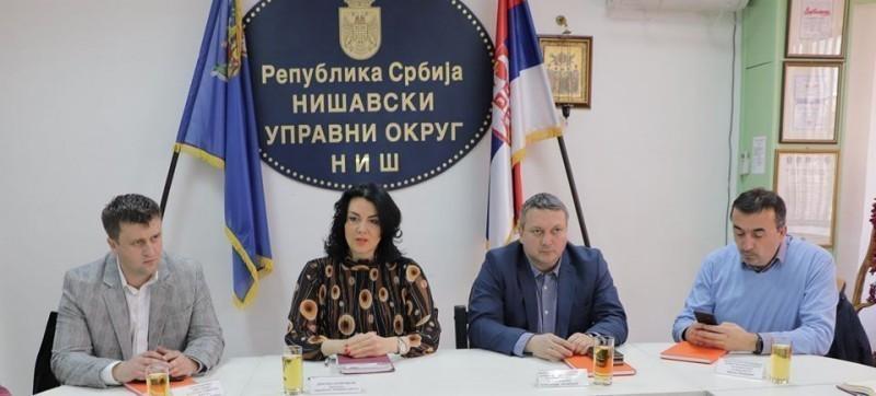 За останак младих на селу: У Нишавском округу представљене мере за подстицај у пољопривреди