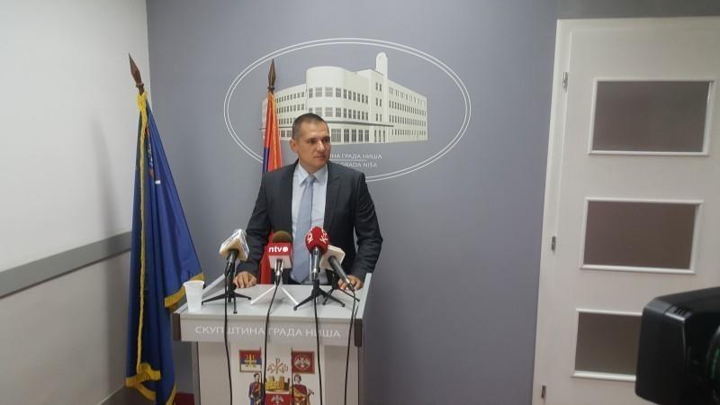 ДС Ниш: Опозиција бојкотовала данашњу седницу СГ Ниша, јер власт игнорише захтеве грађана