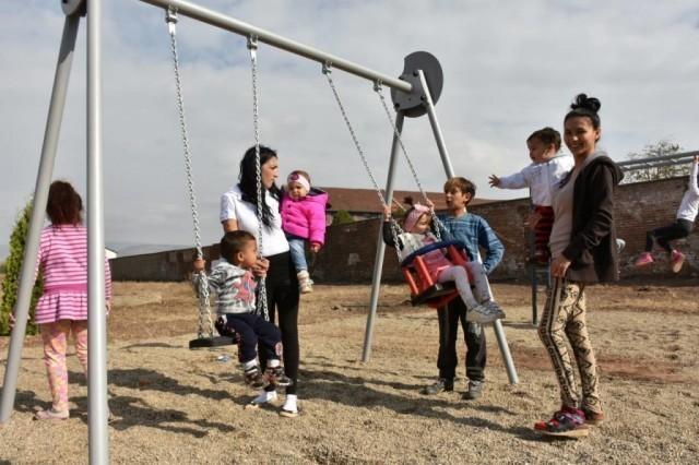 Mobilijar za romsku decu u niškom naselju Stočni trg