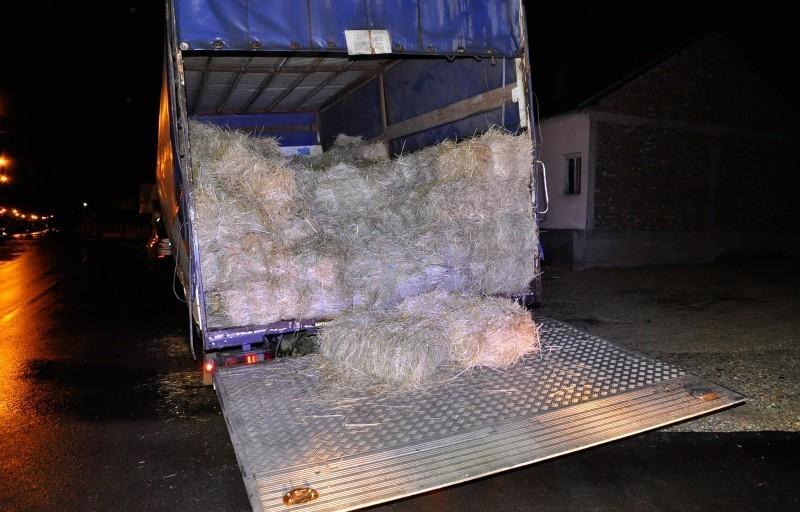 У камиону са сламом више од 140 килограма марихуане