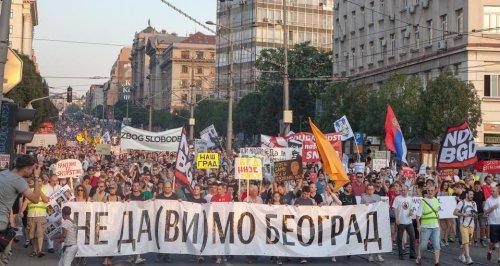 """Više od 10000 građana na protestu """"Beograd NIJE MALI"""""""