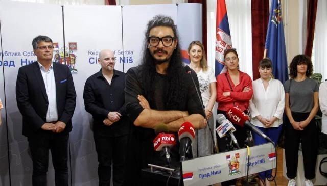 Немања Радуловић вечерас на Летњој позорници
