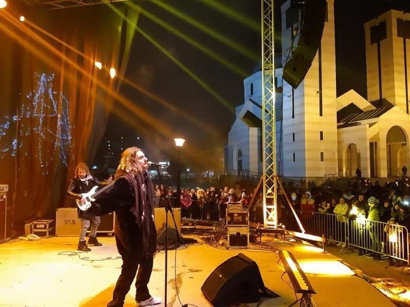 Нишлије дочекале православну Нову годину уз Алена Адемовића и ватромет