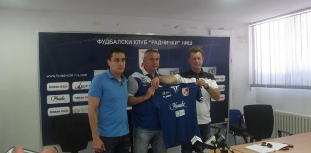 Аустријанац Петер Пакулт, нови тренер Радничког