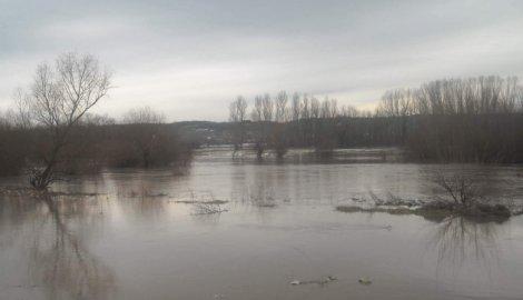 Поплава прети Алексинцу