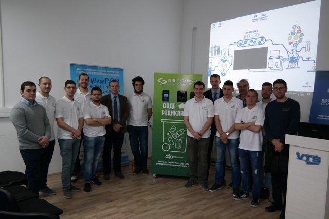 Ученици Високо техничке школе струковних студија из Ниша израдили машину за рециклажу