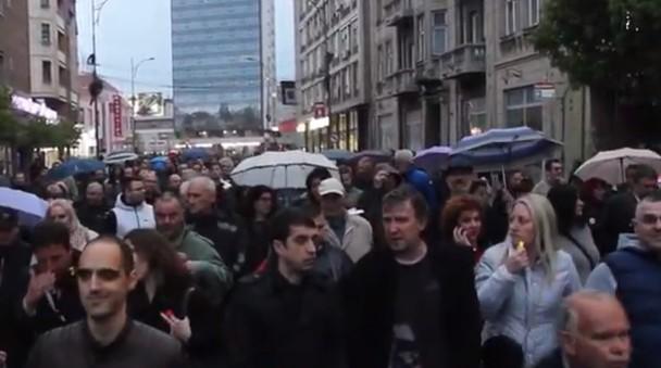"""14. protest """"1 od 5 miliona"""" u Nišu protekao uz manje """"koškanje"""""""