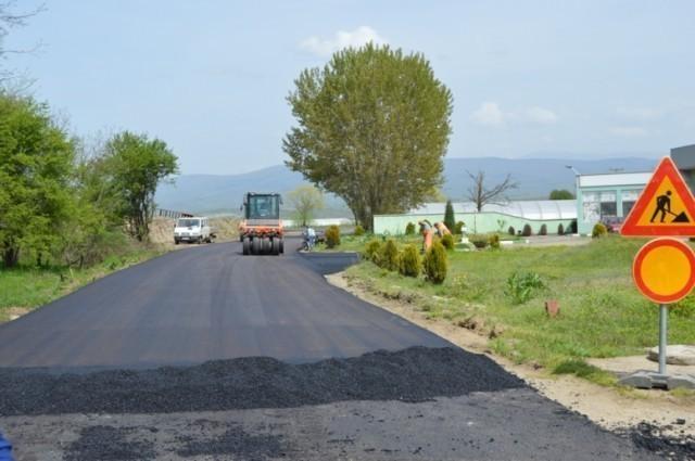 Напредују радови на путу Лесковац - Јашуњски манастир