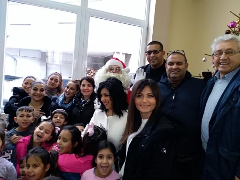 Новогодишњи пакетићи за децу ромске националности