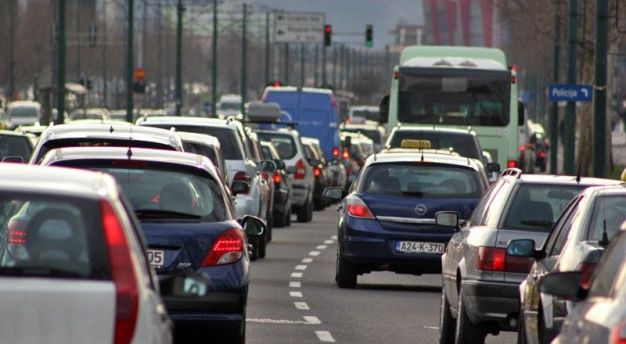 Vodič za bezbednu vožnju: ovo su stvari na koje treba da obratite pažnju