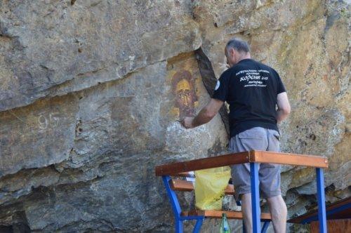 Сликама у камену улепшава купалиште на Вучјанки