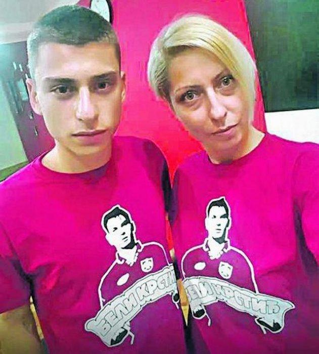 Иван Крстић јуниор са мајком Аном