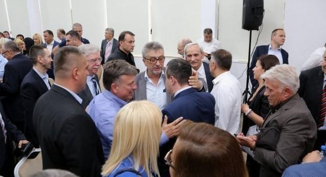 Ево зашто је Ивица Дачић бесан напустио седницу Главног одбора у Алексинцу