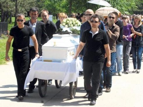 Na sahrani Darka Radovanovića plakali i popovi