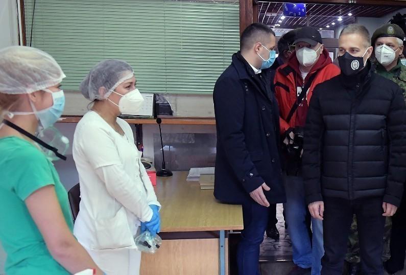 Стефановић у Нишу: Војна болница од данас у Ковид систему