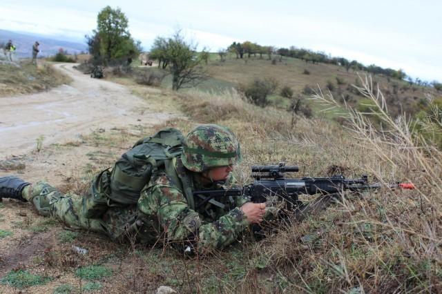 """Други део тактичке вежбе """"Стена 02"""": Успешна евакуација јединица за мултинационалне операције"""