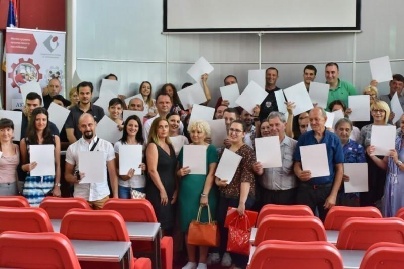 Град Ниш подржао самозапошљавање 98 предузетника