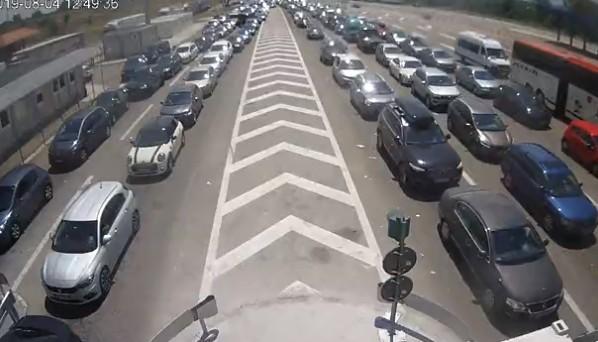 Očekuje se pojačan saobraćaj, velike gužve na prelazima - na Preševu i do dva sata čekanja
