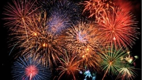 Уз ватромет, Горан Шепа, популарни Гале Кербер, пожелео је у поноћ НИшлијама здравље, срећу и успешнију 2016. годину.