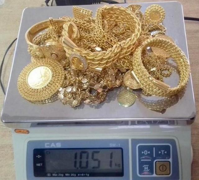 Šverc više od jednog kilograma zlata i 43.000 evra