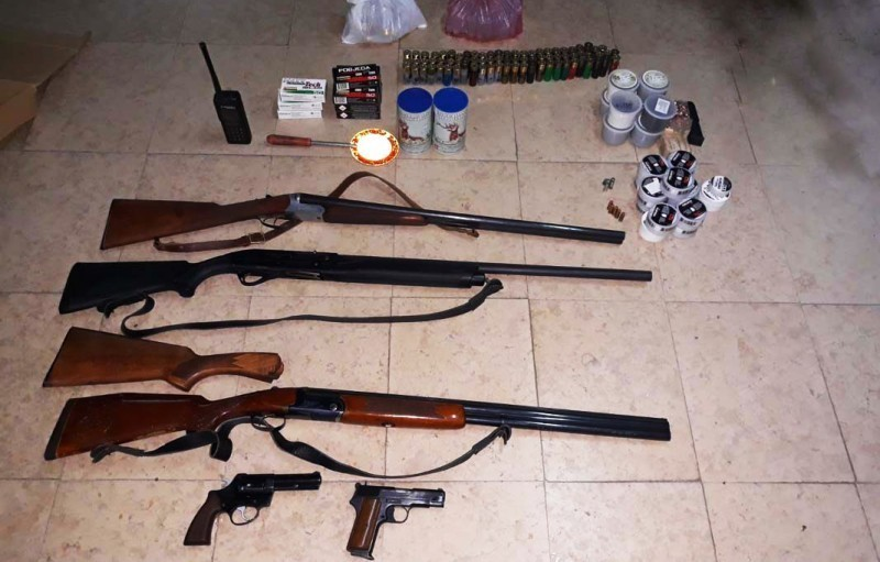 Врањанка код куће држала арсенал оружја и муниције