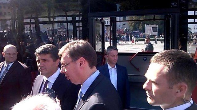 Град Београд уступио Нишу градски аутобус