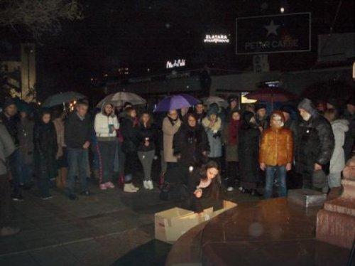 Помен убијеном студенту Вуку Стоиљковићу у парку Светог Саве, Фото: Б. Јаначковић, РАС Србија