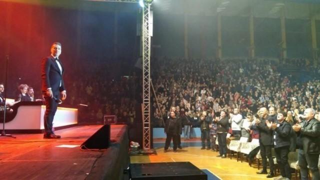 5 хиљада Лесковчана певало заједно са Жељком Јоксимовићем