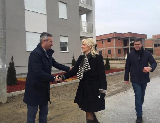 Mihajlović u Vranju: Pre godinu dana nije bilo ničega, krajem marta uručenje ključeva novih stanva