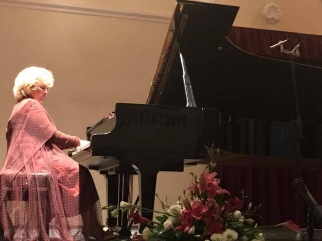 Пијанисткиња Гулсин Онај из Турске одушевила Врањанце