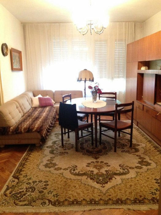 Oдличан стан у центру Ниша (Маргер), 1. спрат, 80м2