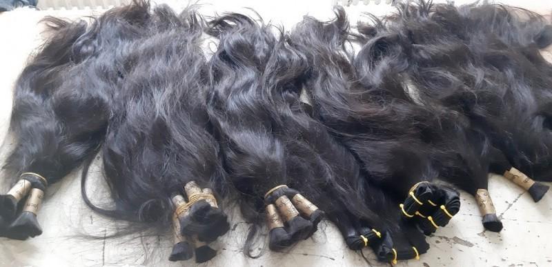 Људска коса на цени: Покушај шверца скоро 5 килограма праменова
