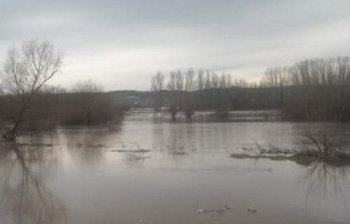 Uništena plodna polja, vodostaj reka u opadanju