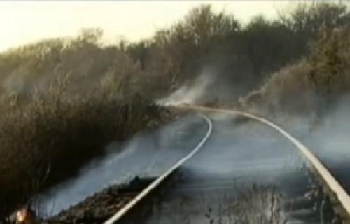 Izgorelo oko 120 pragova na pruzi