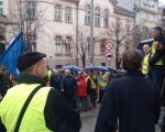 Radnici Betonjerke odlučni o nastavku štrajka i blokadi autoputa
