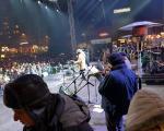 """У Нишу на минус 7 степени, више од 20.000 људи певало заједно са """"Дугмићима"""""""
