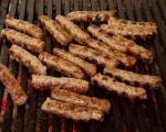 Stari recepti juga Srbije: Tradicionalni prvomajski roštilj - ćevapčići
