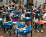 Данас мали матуранти раде тест из математике