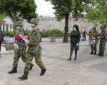 Да памтимо -  Венци у бојама српске заставе у част жртава НАТО агресије