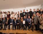 """Od kompanije """"Leon konditors""""  200 hiljada za Foto sekciju Gimnazije """"Svetozar Marković"""""""