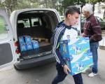 Niška mlekara daruje 2000 prvaka mlečnim paketićima