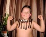 Sedmogodišnji Bogdan Ivković iz Vlasotinca privlači metale