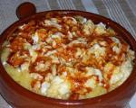 Стари рецепти југа Србије: Старопланински качамак са овчијим сиром, димљеном сланином и сувим паприкама