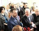 Амбасадор САД уручио мобилни рендген апарат Дечјем хематоонколошком одељењу и обишао нову зграду КЦ Ниш